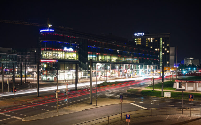 Dresden, traffic lights, night, city